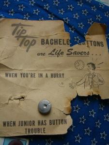 Bachelor buttons ©booksandbuttons