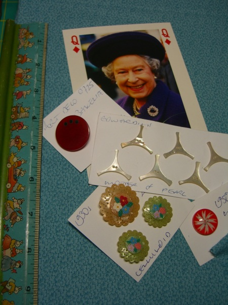 A few buttons from Covent Garden, nice selection ©booksandbuttons