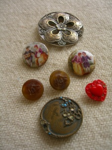 buttons from Portobello Road ©booksandbuttons