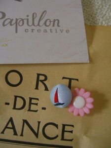 sailboat and pink daisy, modern buttons