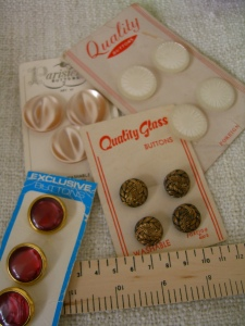 buttons on original cards ©booksandbuttons