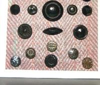 black glass buttons ©booksandbuttons