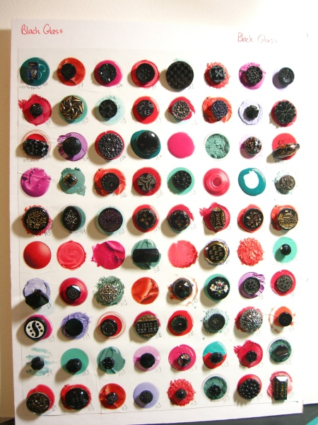 card of old black glass buttons small to medium ©booksandbuttons