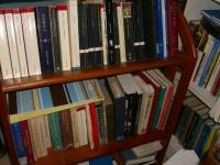 looks like an Eliot bookshelf . . .©booksandbuttons